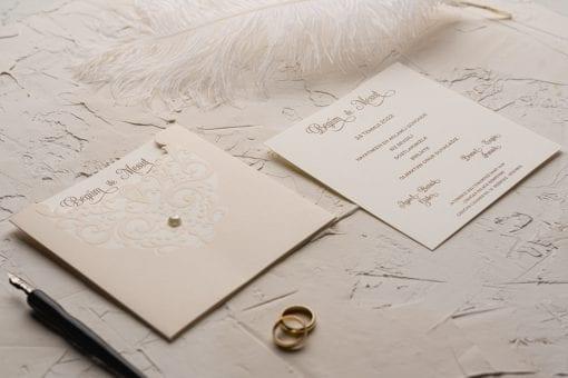 Faire Part Mariage Perle Sur Pochette Taupe