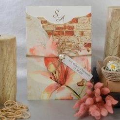 Faire Part Mariage Floral Sur Mur De Brique