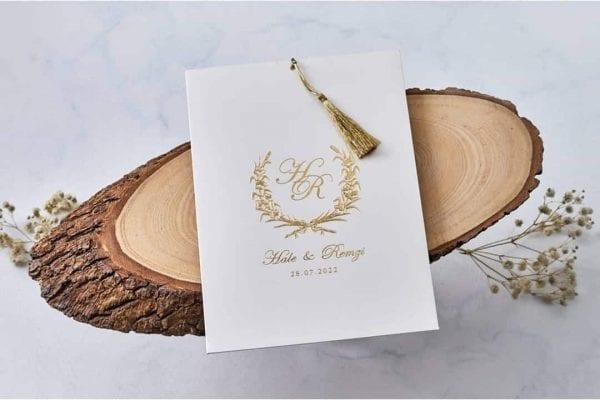 Faire Part Mariage Finitions Et Pompons Dorées